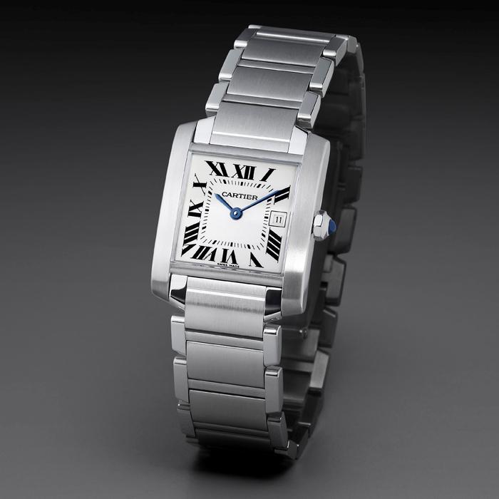 Ura Cartier velja za luksuzno uro.