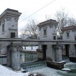SEZONA SAMOMOROV SE JE ZAČELA: Reka Ljubljanica v Ljubljani se polni s trupli samomorilcev