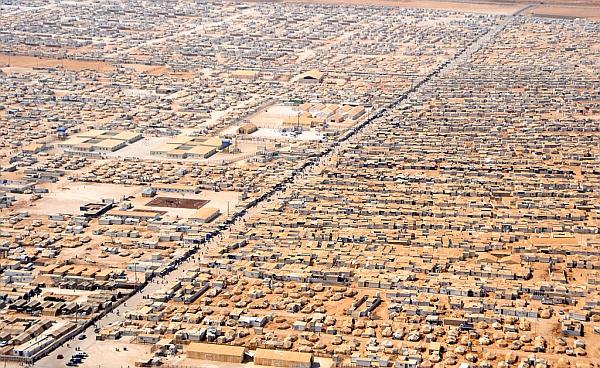 begunsko_taborisce_sirijcev_v_jordaniji_Wikipedia