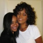 Bobby Kristino je mati Whitney Houston čakala na smrtni postelji, da jo odpelje v drugi svet - v onstranstvo
