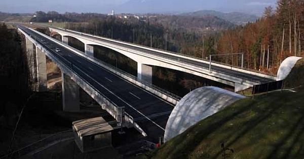 Viadukt_Peracica_Wikipedia