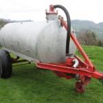 Kmečki terorizem v Sloveniji: Kmetje grozijo, da bodo z gnojnico onesnažili pitno vodo