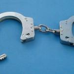 Policista aretirali zaradi zvodništva, tožilca pa zaradi podkupovanja, poslancu zasegli računalnike zaradi otroške pornografije