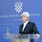 France Cukjati zavaja. Ravno SDS in SNS sta v Slovenijo prinesli nizkotno politično kulturo diskreditacije posameznikov in strank.
