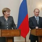 Krepitev ruske vojske ob meji z Ukrajino je pametna poteza Rusije. Angela Merkel deluje katastrofalno.