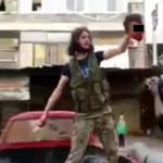 ZANIMIV VIDEOPOSNETEK: Sirski uporniki so obglavili 10-letnega dečka. Pod njim je nastala luža krvi.