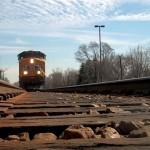 Samomor s skokom pred vlak. Kako izgleda smrt, ko nekoga povozi vlak?
